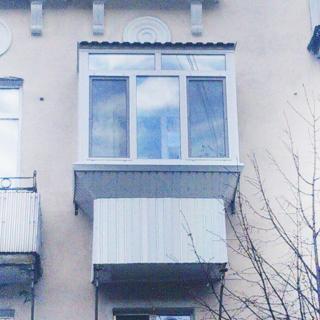 Остекление балкона в..